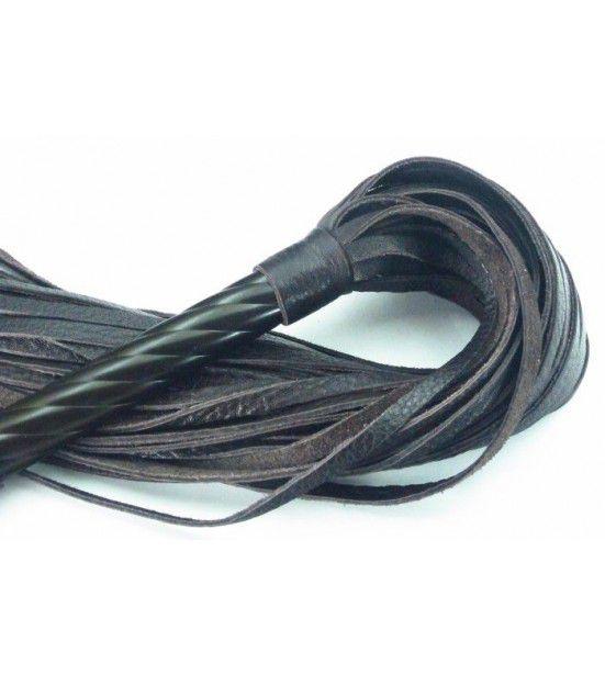 Длинная плеть с рукоятью цвета шоколада - 66 см.