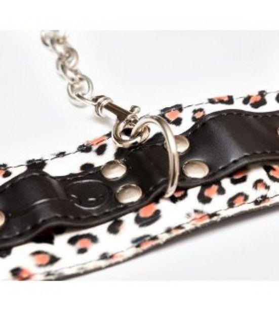 Наручники леопардовой расцветки с карабинами